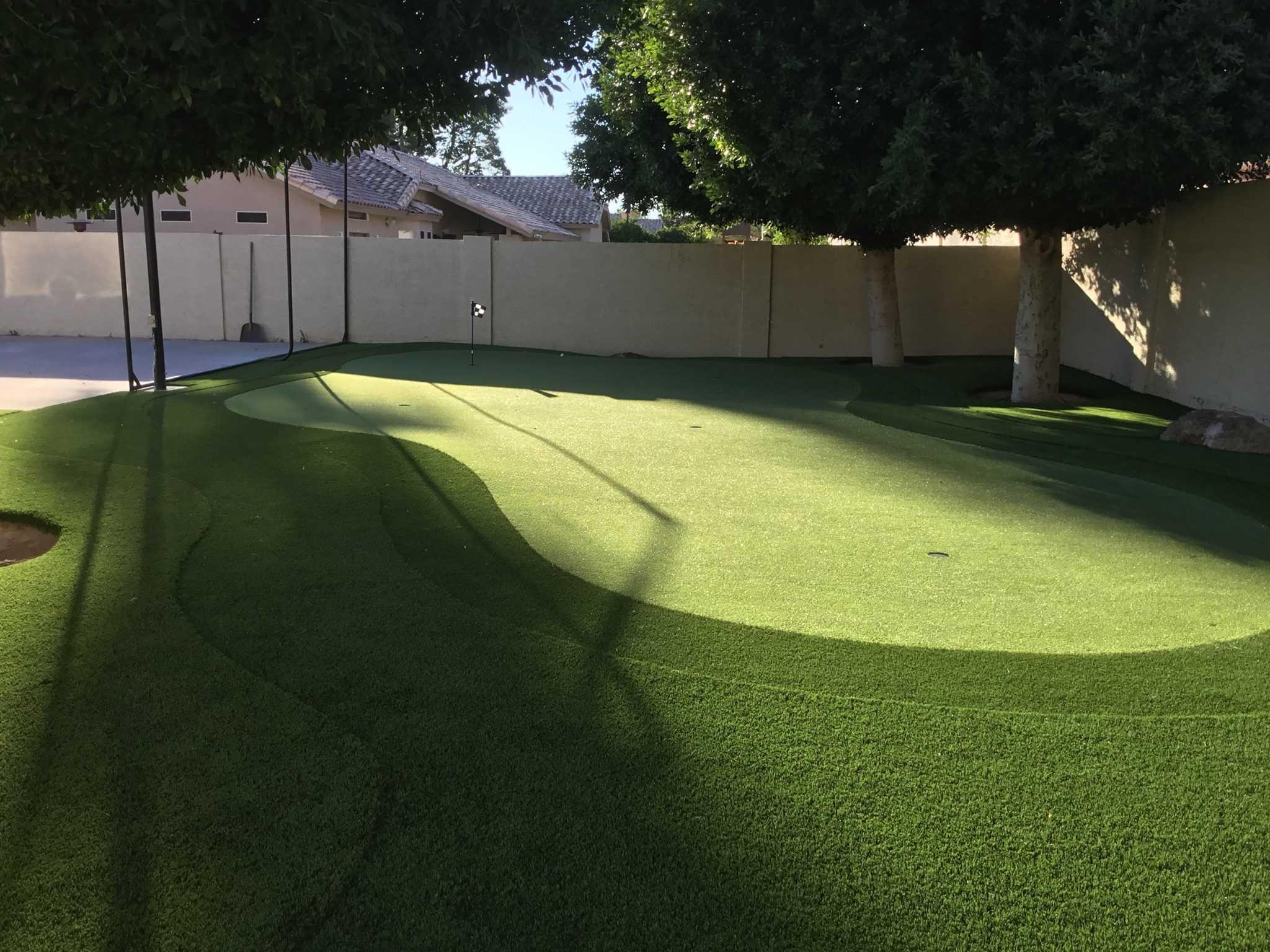 backyard putting green   Celebrity Greens on Small Backyard Putting Green id=11971
