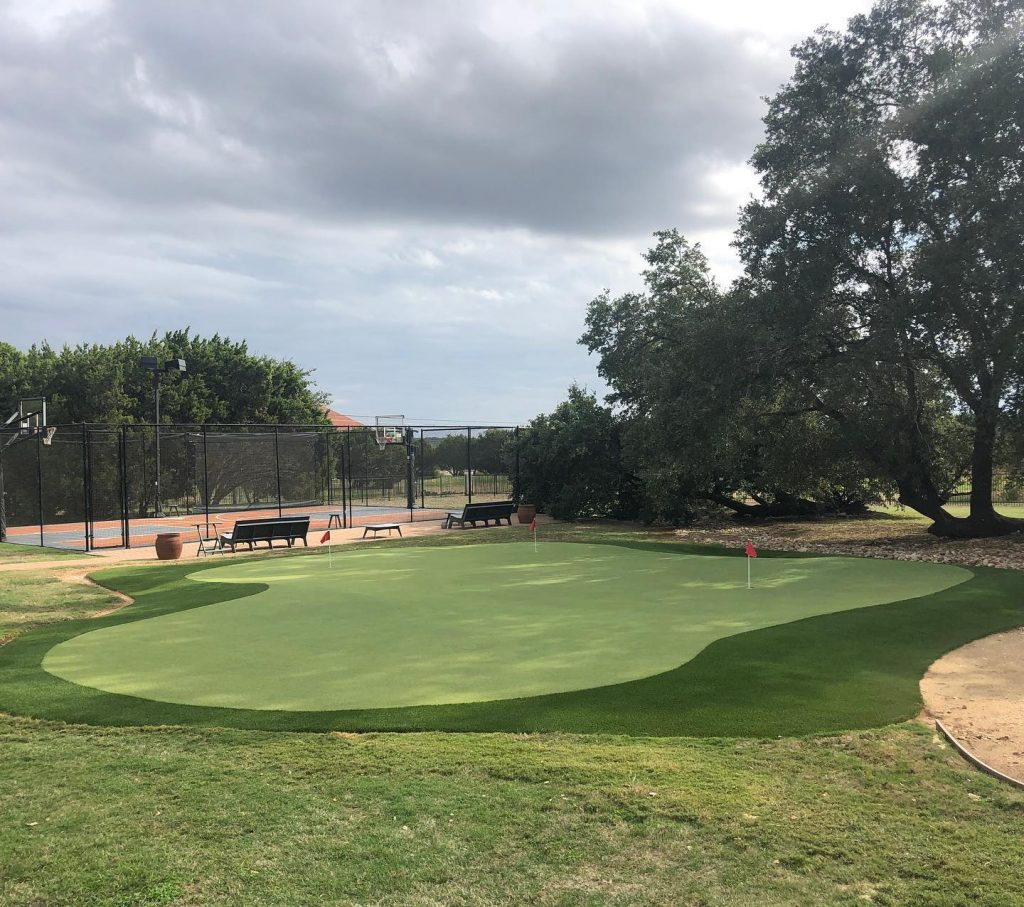 private backyard putting green installers